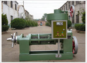 small oil press with electrical heater